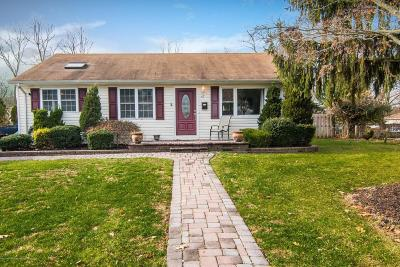 Tinton Falls Single Family Home For Sale: 47 Garden Place
