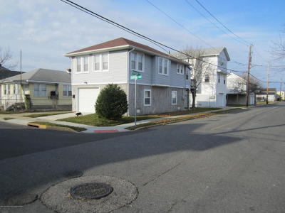 Seaside Heights Single Family Home For Sale: 302 Dupont Avenue #A