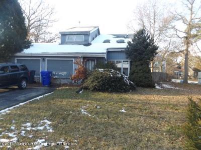 Brick Single Family Home Under Contract: 70 Bonair Drive