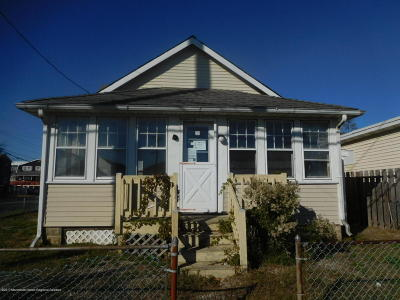 Seaside Heights Single Family Home For Sale: 274 Sherman Avenue