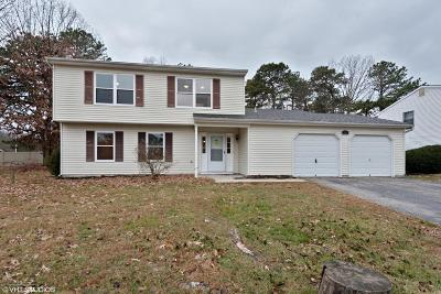 Howell Single Family Home For Sale: 37 Peachstone Road