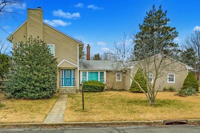 Brielle Single Family Home For Sale: 719 Howell Drive