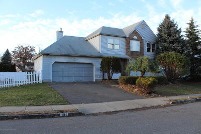Freehold Single Family Home Under Contract: 11 Reid Way
