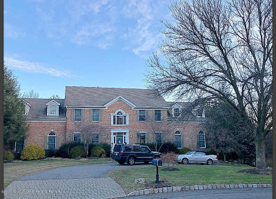 Holmdel Single Family Home For Sale: 21 Dearborn Drive