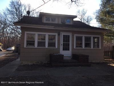 Jackson Single Family Home For Sale: 1352 Toms River Road