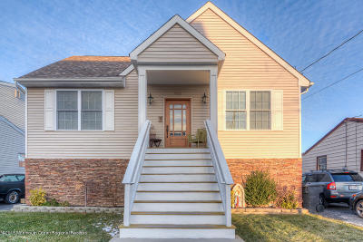 Toms River Single Family Home For Sale: 725 Charlotte Street