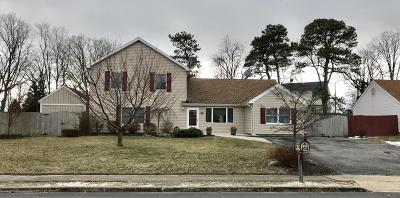 Toms River Single Family Home For Sale: 1047 Goose Creek Road