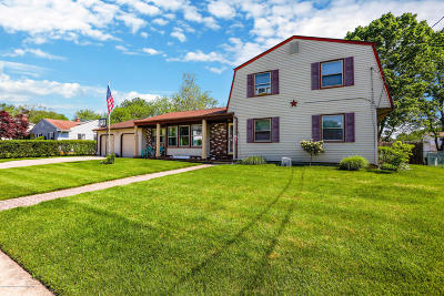 Howell Single Family Home For Sale: 14 Taunton Drive