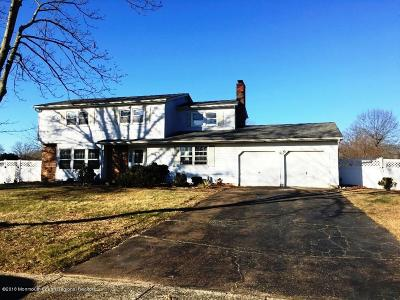 Freehold Single Family Home For Sale: 222 Sherwood Drive