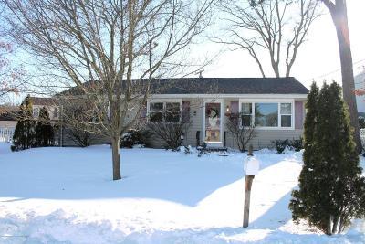 Brick Single Family Home For Sale: 172 Riviera Drive