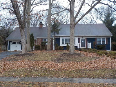 Brick Single Family Home For Sale: 84 Robbins Court