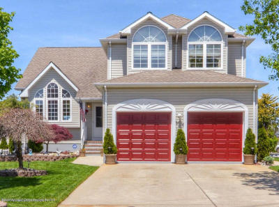 Toms River Single Family Home For Sale: 30 Bay Point Drive