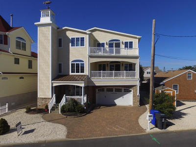 Lavallette Single Family Home Continue To Show: 294 Monterey Circle