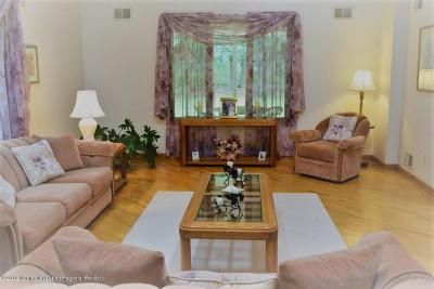 Howell Single Family Home Under Contract: 274 Easy Street