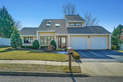 Howell Single Family Home For Sale: 40 Pinyon Street