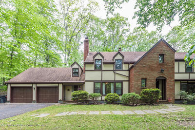 Holmdel Single Family Home For Sale: 4 Galloping Hill Road