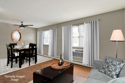 Freehold Condo/Townhouse For Sale: 12 Manchester Court #H