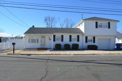 Toms River Single Family Home For Sale: 728 Charlotte Street