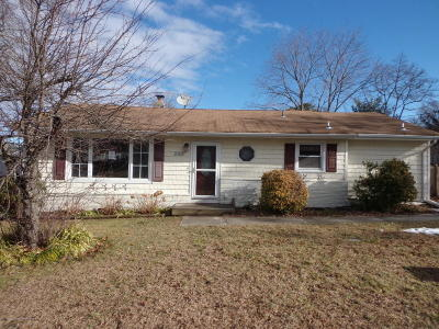 Brick Single Family Home For Sale: 285 Newark Drive