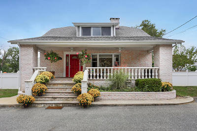 Monmouth County Single Family Home For Sale: 276 Main Street