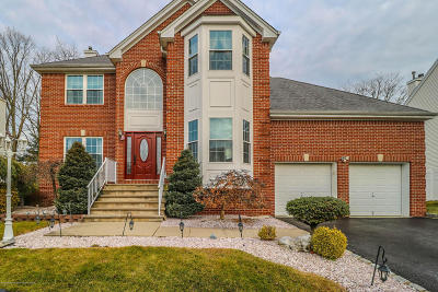 Howell Single Family Home For Sale: 39 Violet Circle