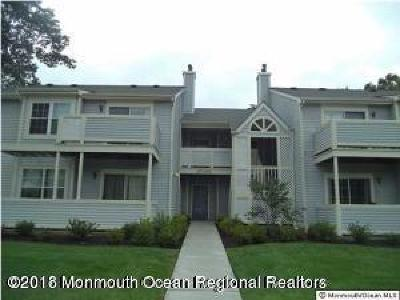 Howell Condo/Townhouse For Sale: 464 Magnolia Court