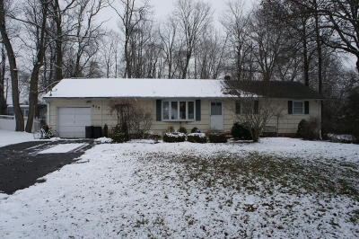 Monmouth County Single Family Home For Sale: 417 Gordons Corner Road