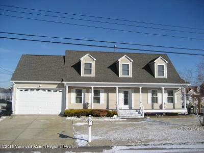 Ocean County Single Family Home For Sale: 225 Sandlewood Drive
