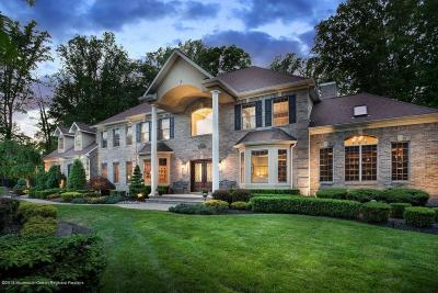 Holmdel Single Family Home For Sale: 4 Boxwood Terrace