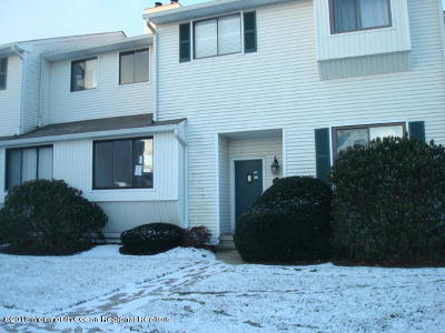 Middletown Condo/Townhouse Under Contract: 472 Clubhouse Drive