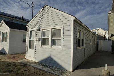 Lavallette NJ Single Family Home For Sale: $105,000