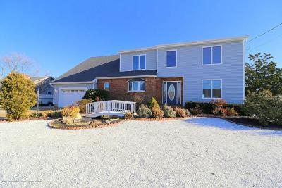 Ocean County Single Family Home For Sale: 843 Wave Drive