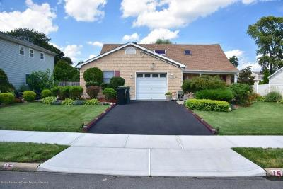 Hazlet Single Family Home For Sale: 15 Carlow Way