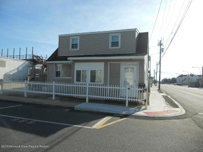 Seaside Heights Single Family Home For Sale: 1219 Ocean Terrace