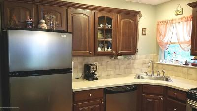 Holmdel Condo/Townhouse For Sale: 1 Ambrose Lane