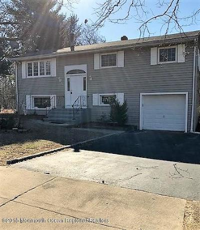 Howell Single Family Home For Sale: 36 Lake Drive