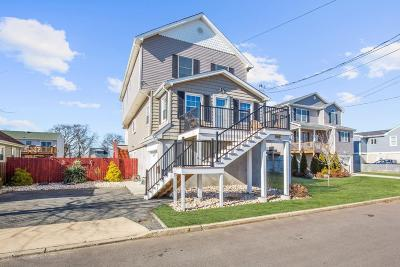 Middletown Single Family Home Under Contract: 66 Brainard Avenue
