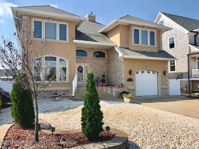 Point Pleasant Single Family Home For Sale: 1815 Boat Point Drive