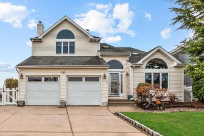 Brick Single Family Home For Sale: 81 Royal Drive