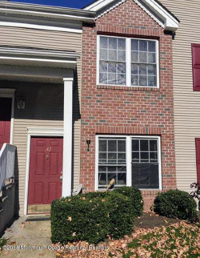 Middletown Condo/Townhouse For Sale: 142 Ironwood Court #C1