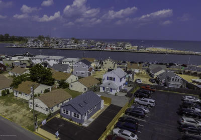 Point Pleasant Beach Single Family Home For Sale: 62 Inlet Drive