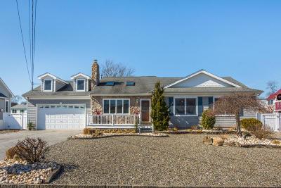 Brick Single Family Home For Sale: 21 Lagoon Drive