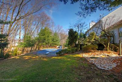 Holmdel Single Family Home For Sale: 1 Ridge Hill Way