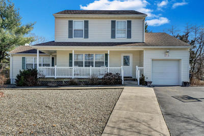 Toms River NJ Single Family Home For Sale: $299,900