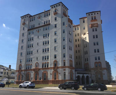 Asbury Park Condo/Townhouse Under Contract: 400 Deal Lake Drive #7k