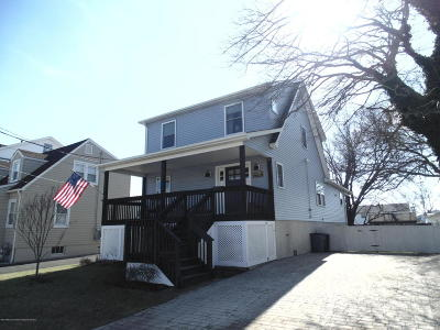 Point Pleasant Beach Single Family Home For Sale: 212 Central Avenue