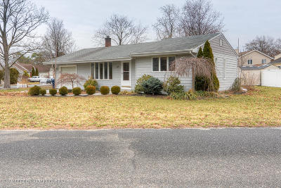 Beachwood Single Family Home For Sale: 453 Cable Avenue