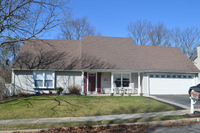 Howell Single Family Home For Sale: 22 Timberline Drive