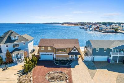 Toms River Single Family Home For Sale: 1905 Lookout Drive