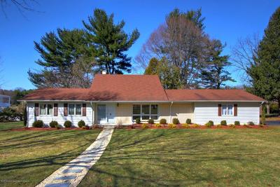 Holmdel Single Family Home For Sale: 2 Country Lane